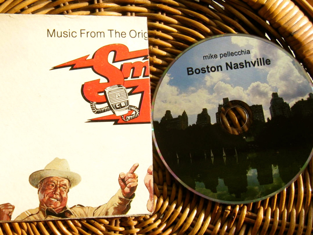 "Boston Nashville w/ ""smokey"" sleeve"